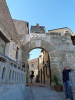 La porta del castello di Brolo (1390 clic)
