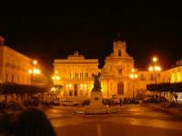 Piazza del Popolo Piazza del Popolo - Vittoria  - Vittoria (7139 clic)