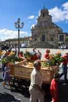 Festa di San Paolo 29/06/2009 - Raccolta delle cuddure (pane votivo)  - Palazzolo acreide (4306 clic)