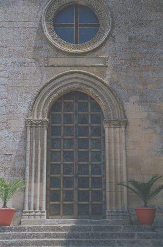 Portale- Basilica di San Leone - ASSORO - inserita il 08-Jan-11