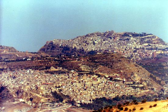 panorama Leonforte e Assoro - ASSORO - inserita il 11-Feb-11