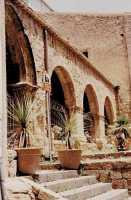 Portico basilica di San Leone Assoro (4425 clic)
