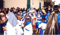 Carnevale nelle scuole alunni in maschera del 2 Ist. Comp. plesso Don Bosco Carnevale 2004  - Noto (4430 clic)