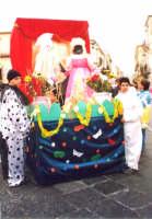 carro allegorico del 4 Ist. Comp. carnevale 2004  - Noto (4020 clic)