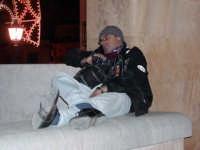 Pausa dal lavoro. Calatafimi Festa SS. Crocifisso 2004  - Calatafimi segesta (7750 clic)
