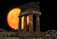 f/m notturno del tempio dei Dioscuri  - Agrigento (8472 clic)