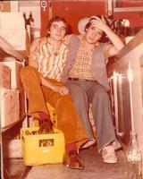 Riposo in discoteca - 1974 (Mimmo Alemanno e Tony Emma) Sommatino 1974 - Capriccio: Amici a riposo  - Sommatino (1825 clic)