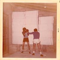 Allenamento di Box Sommatino  1973 - Palestra fai da te  - Sommatino (2234 clic)