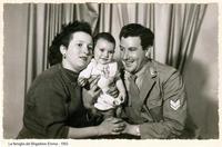 Famiglia Emma Francesco - 1955 Sommatino 1955 - Famiglia del Brigadiere Emma  - Sommatino (5568 clic)