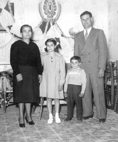 Famiglia Lo Porto - Delia 1954 - DELIA - inserita il