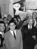 Festa alla sposa. Amici in festa - anni 1950  - Sommatino (4636 clic)