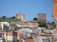 Vista del castello e della Matrice  Paternò ( scattata da  Piaz  Nino  La russa  in Paternò )  - Paternò (9812 clic)