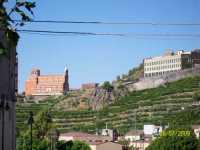 Vista Del  Santuario  ( scattata da piazza Nino La Russa in Paternò )  - Paternò (4155 clic)