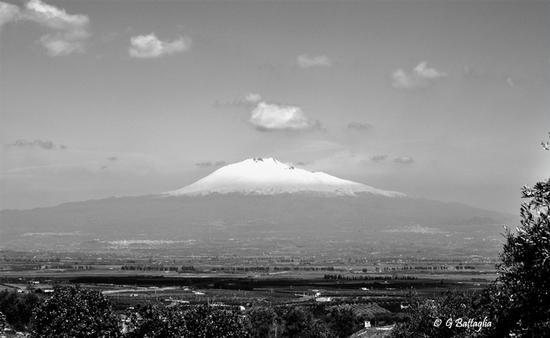 Piana di Catania con vista dell'Etna - SCORDIA - inserita il 10-Mar-11
