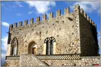 PARTICOLARE DI UNA VECCHIA TORRE....  - Taormina (5266 clic)