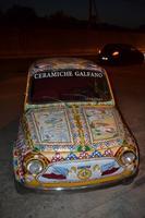 Fiat 500 verniciata tipo carretto siciliano   - Marina di selinunte (1151 clic)