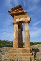 Tempio di Castore e Polluce   - Valle dei templi (2081 clic)