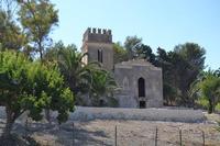 piccolo castello nei dintorni   - Siracusa (1413 clic)