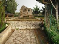 tomba di pirandello   - Agrigento (6661 clic)