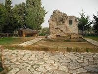 tomba di pirandello   - Agrigento (10730 clic)