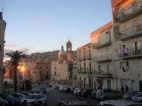 panorama della città dal piazzale S. Francesco - 4 dicembre 2010  - Caltagirone (1454 clic)