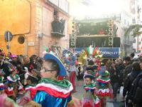 111ª edizione del Carnevale di Sciacca - sfilata corteo mascherato e dei gruppi dei carri allegorici - 6 marzo 2011  - Sciacca (2558 clic)