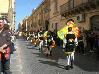 Infiorata 2010 - Corteo Barocco - 16 maggio 2010  - Noto (2916 clic)