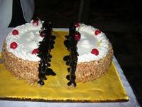torta alla nocciola, cioccolato e panna - Baglio Strafalcello - 22 giugno 2010  - Castellammare del golfo (3380 clic)