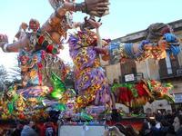 111ª edizione del Carnevale di Sciacca - sfilata corteo mascherato e dei gruppi dei carri allegorici - 6 marzo 2011  - Sciacca (1500 clic)