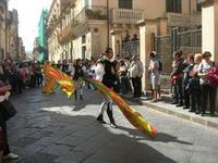 Infiorata 2010 - Corteo Barocco - 16 maggio 2010  - Noto (2483 clic)