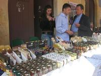 cioccolato e conserve - vecchio mercato - Infiorata 2010 - 16 maggio 2010  - Noto (2826 clic)