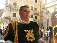 Infiorata 2010 - Corteo Barocco - 16 maggio 2010  - Noto (2650 clic)
