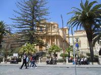 fontana di Ercole e Chiesa di San Domenico - 16 maggio 2010  - Noto (2205 clic)