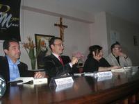 Presentazione del Connubio RizzoMani - Parole in Musica - Francesco Gallina e Donatella Piras - presso la Sala Convegni dell'Istituto Suore Francescane S. Chiara - 24 aprile 2010  - Corleone (3951 clic)