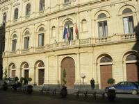Il barocco Palazzo dei principi Interlandi Bellaprima o Palazzo dell'Aquila, oggi sede del Municipio