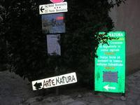insegne e cartelli - 1 novembre 2010  - Scopello (1881 clic)