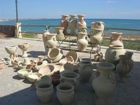 vasi e manufatti in terracotta sul Lungomare Mazzini - 9 maggio 2010   - Mazara del vallo (2523 clic)