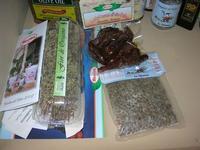 esposizione olio, conserve e prodotti tipici - Castello di Rampinzeri - 6 giugno 2010  - Santa ninfa (3290 clic)