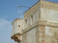 torre di avvistamento - particolare - 4 settembre 2011  - Marausa lido (899 clic)
