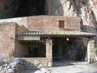 Le Grotte di Custonaci - Grotta preistorica Scurati - borgo rurale costruito più di un secolo fa ed abitato fino alla seconda guerra mondiale - 14 marzo 2010   - Custonaci (2302 clic)