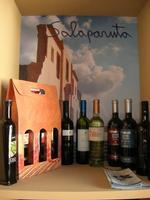 esposizione olio e vini - Castello di Rampinzeri - 6 giugno 2010  - Santa ninfa (3304 clic)