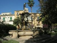 Fontana di Ercole - centro storico - 16 maggio 2010  - Noto (2679 clic)