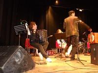 Fisorchestra LIBERTANGO - Teatro Cielo d'Alcamo - concerto - il bravissimo Pietro Adragna di Valderice (TP) - 19 dicembre 2009  - Alcamo (2588 clic)