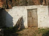 Le Grotte di Custonaci - Grotta preistorica Scurati - borgo rurale costruito più di un secolo fa ed abitato fino alla seconda guerra mondiale - 14 marzo 2010   - Custonaci (2306 clic)