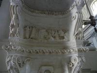la Cattedrale Metropolitana della Santa Vergine Maria Assunta - interno:particolare dell'acquasantie