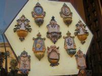 Museo - cortile interno - acquasantiere in ceramica - 10 aprile 2011  - Monreale (3451 clic)