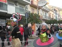 Carnevale - sfilata carri allegorici - 8 marzo 2011  - Cinisi (1712 clic)