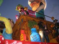 Carnevale - sfilata carri allegorici - 8 marzo 2011  - Cinisi (2211 clic)