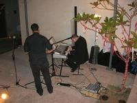 Francesco Rizzomani (piano e voce) e Lorenzo Barbuto (sax) - Parole in Musica - Tutti i sensi che ho - ROSSO DISTRATTO - Festival degli Artisti a cura del Gruppo Archeologico Xaipe - 12 agosto 2010  - Salemi (1502 clic)