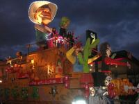 Carnevale - sfilata carri allegorici - 8 marzo 2011  - Cinisi (2253 clic)